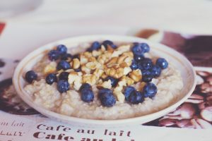 stay fit while traveling- oatmeal